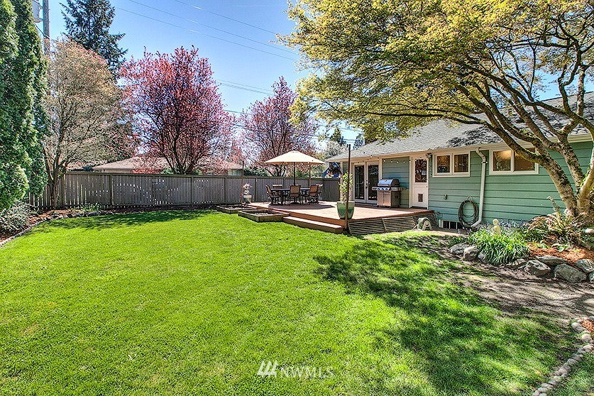 Sold Property | 8202 40th Avenue NE Seattle, WA 98115 23