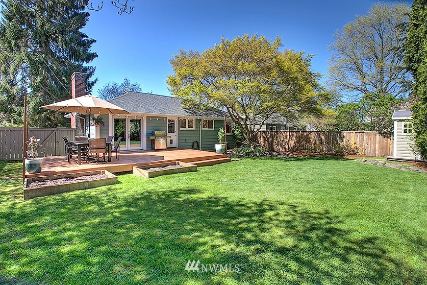 Sold Property | 8202 40th Avenue NE Seattle, WA 98115 24