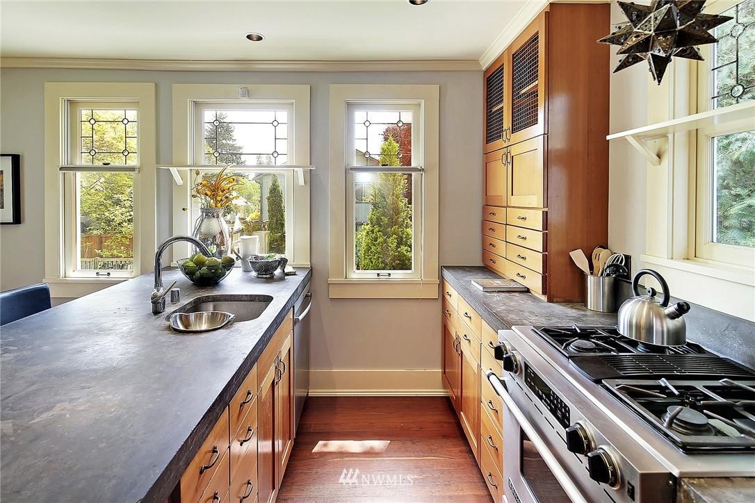 Sold Property   847 NW 61st Street Seattle, WA 98107 4
