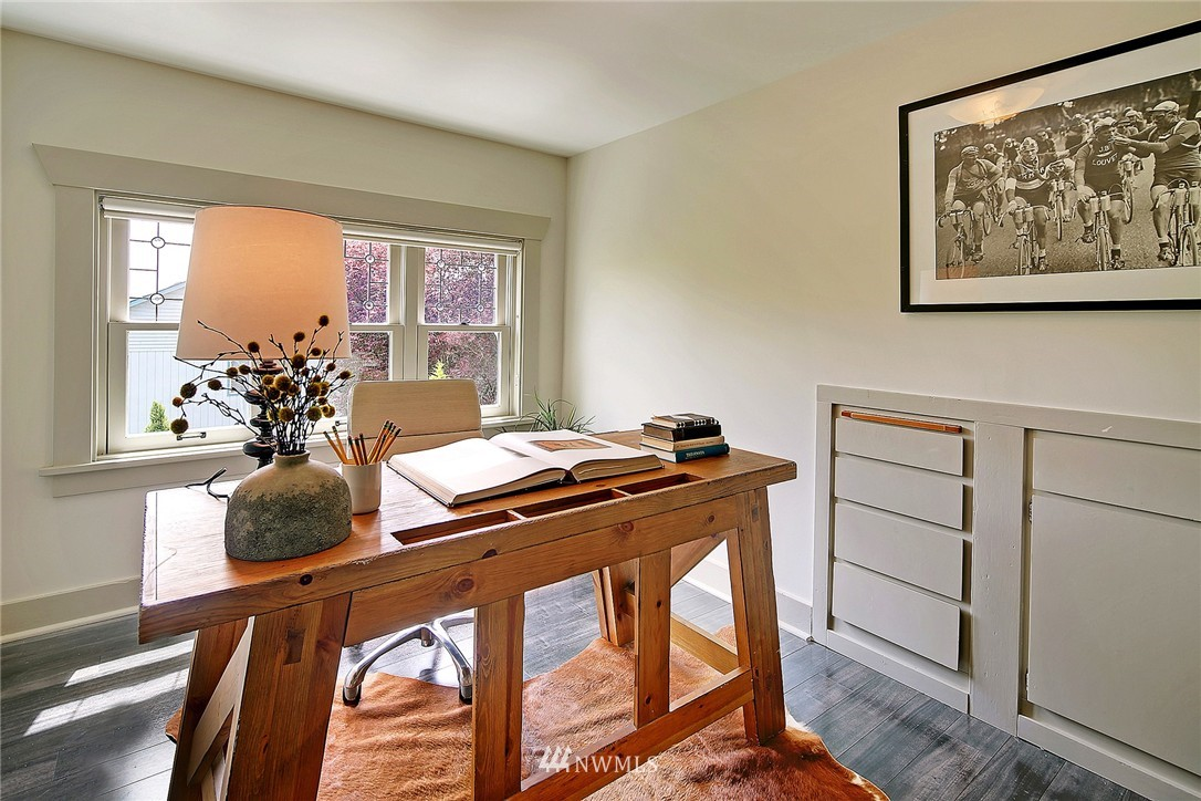 Sold Property   847 NW 61st Street Seattle, WA 98107 10