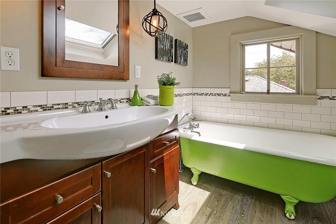 Sold Property   847 NW 61st Street Seattle, WA 98107 13
