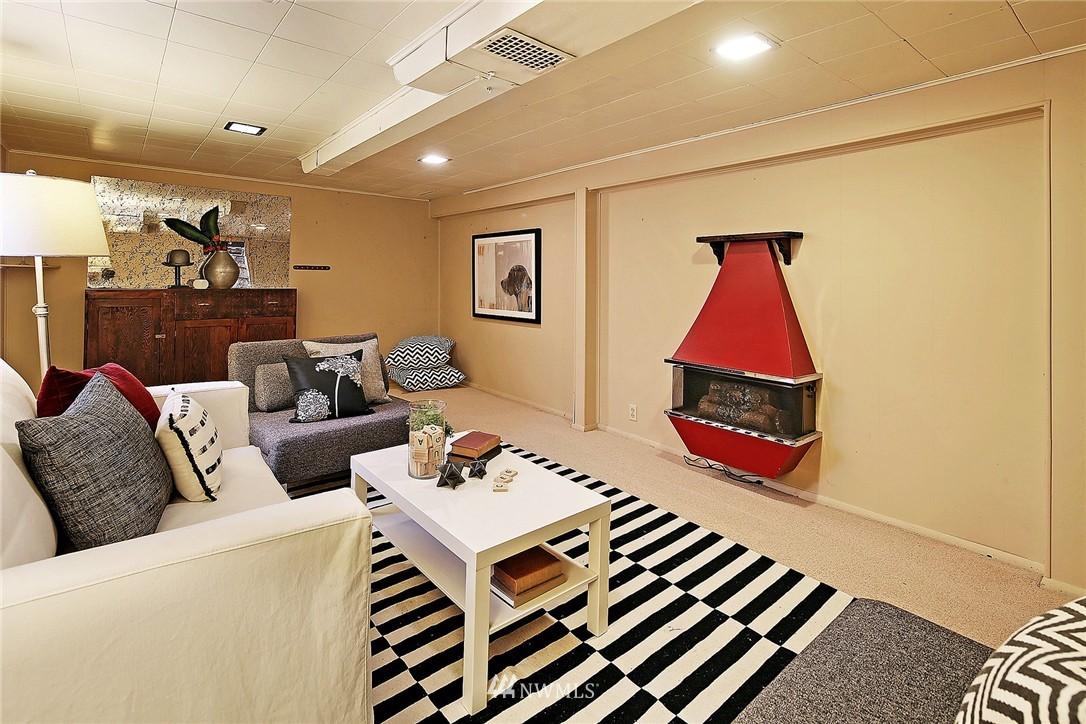 Sold Property   847 NW 61st Street Seattle, WA 98107 14
