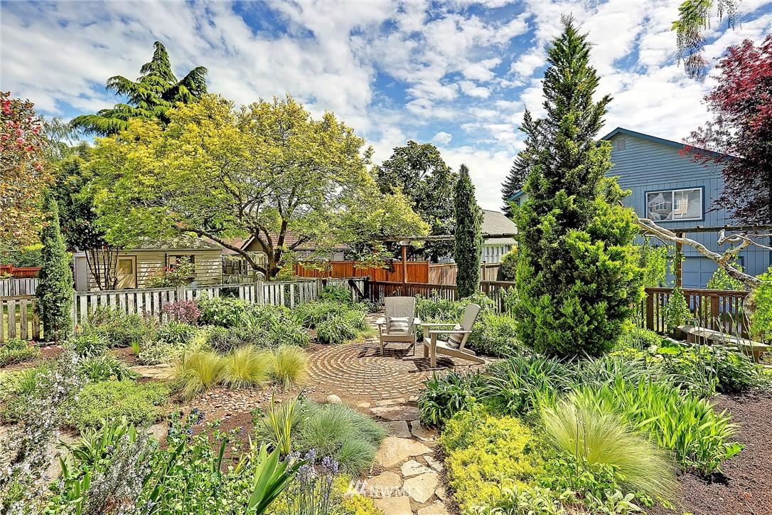 Sold Property   847 NW 61st Street Seattle, WA 98107 15