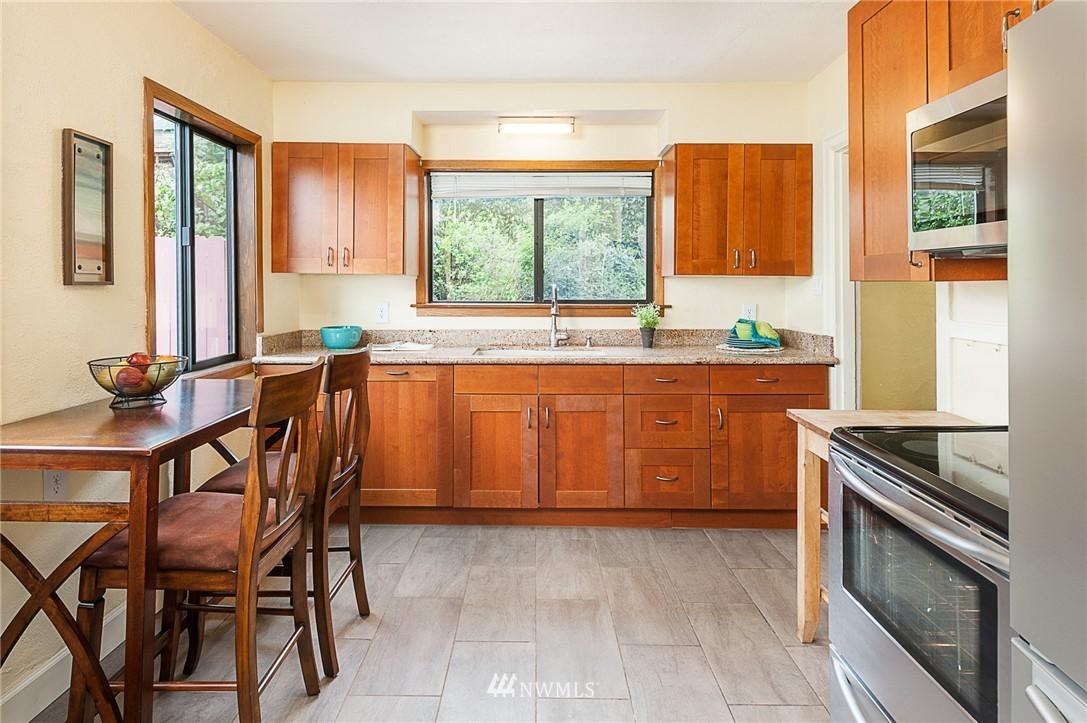 Sold Property | 1922 S Stevens Street Seattle, WA 98144 6