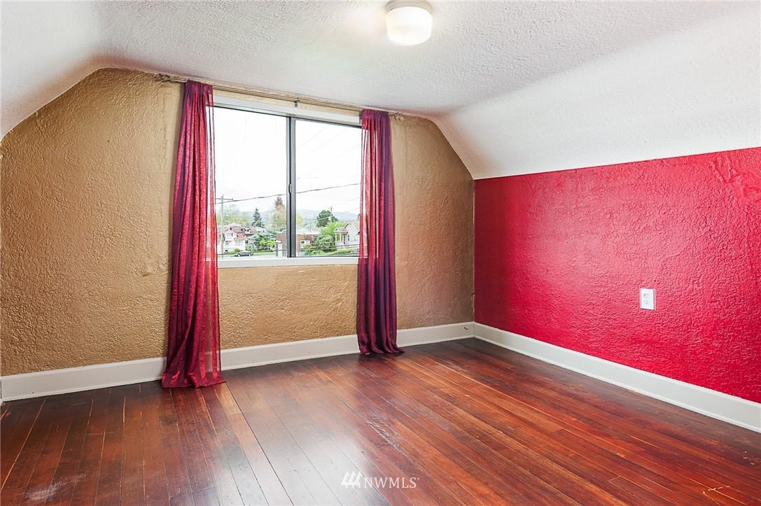 Sold Property | 1922 S Stevens Street Seattle, WA 98144 15