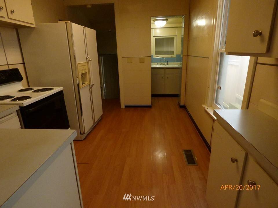 Sold Property | 2217 14th Avenue W Seattle, WA 98119 3