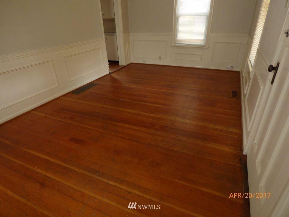 Sold Property | 2217 14th Avenue W Seattle, WA 98119 6