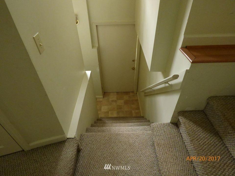 Sold Property | 2217 14th Avenue W Seattle, WA 98119 17