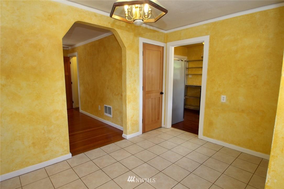 Sold Property | 1560 NE 170th Street Shoreline, WA 98155 3