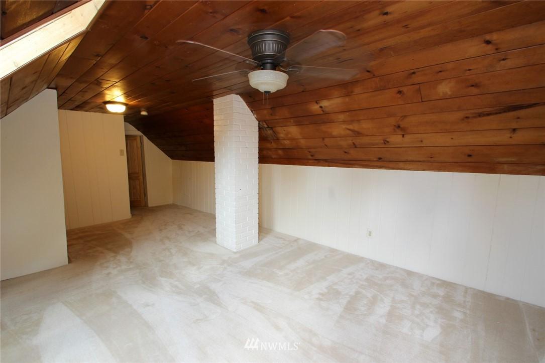 Sold Property | 1560 NE 170th Street Shoreline, WA 98155 6