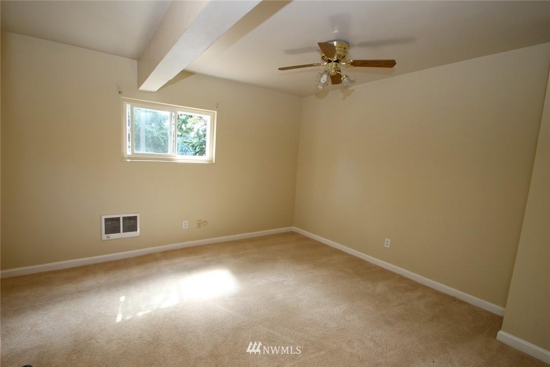Sold Property | 1560 NE 170th Street Shoreline, WA 98155 7