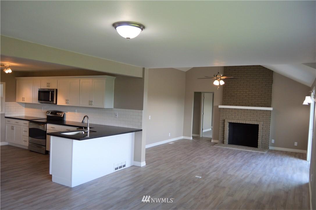 Sold Property | 2680 Sunshine Lane Clinton, WA 98236 4