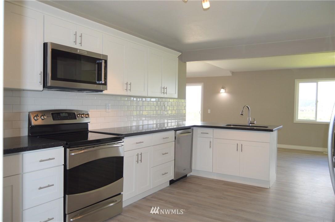 Sold Property | 2680 Sunshine Lane Clinton, WA 98236 7
