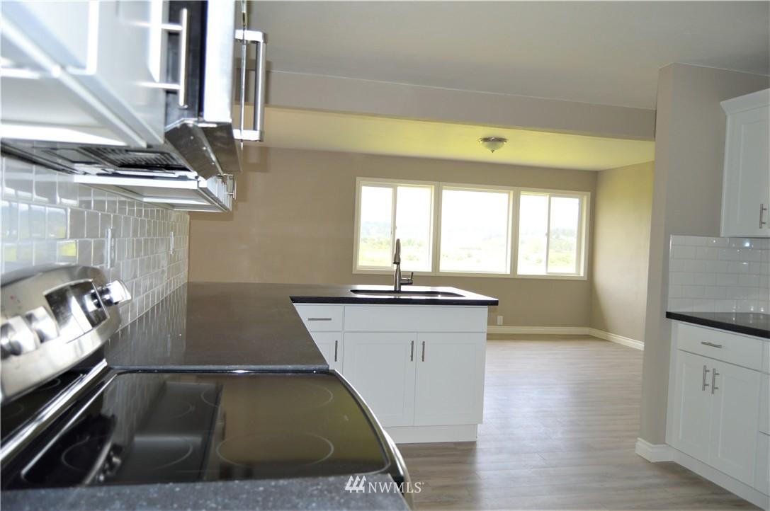 Sold Property | 2680 Sunshine Lane Clinton, WA 98236 8
