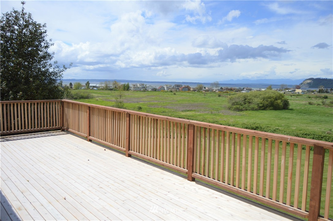 Sold Property | 2680 Sunshine Lane Clinton, WA 98236 10