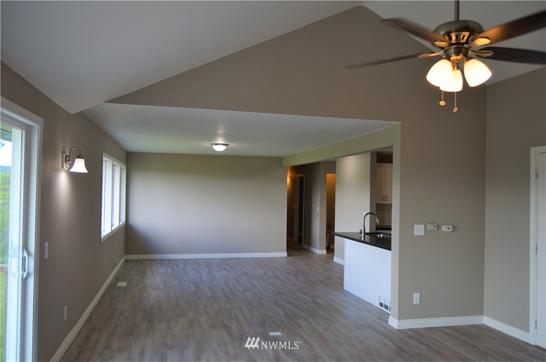 Sold Property | 2680 Sunshine Lane Clinton, WA 98236 11