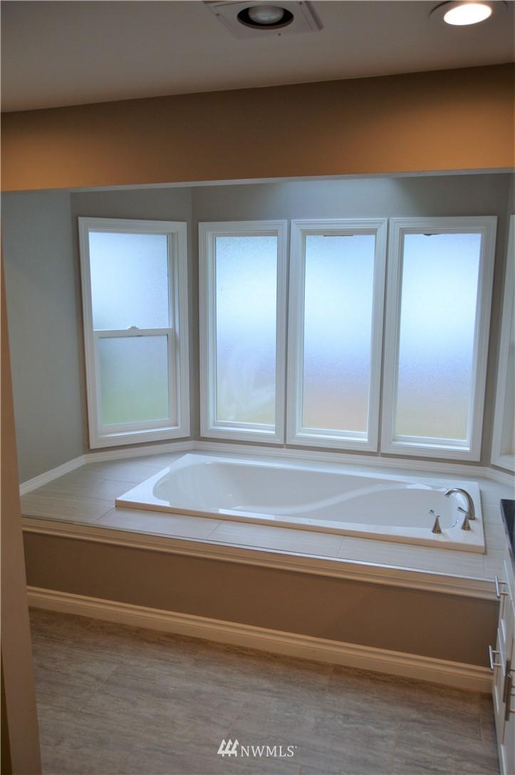 Sold Property | 2680 Sunshine Lane Clinton, WA 98236 17