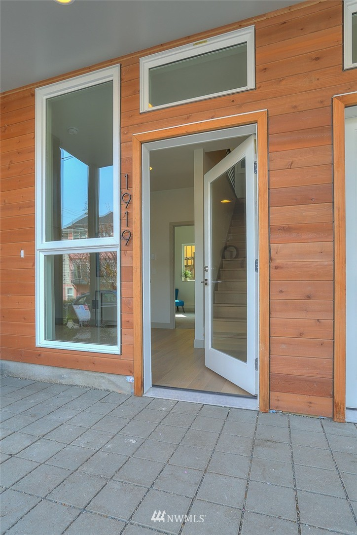 Sold Property | 1921 E Denny Way Seattle, WA 98122 0