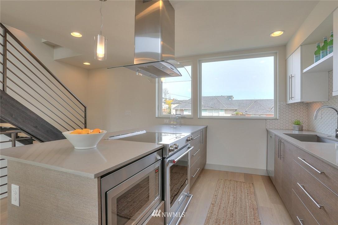 Sold Property | 1921 E Denny Way Seattle, WA 98122 9