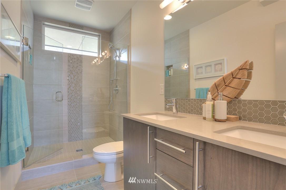 Sold Property | 1921 E Denny Way Seattle, WA 98122 16