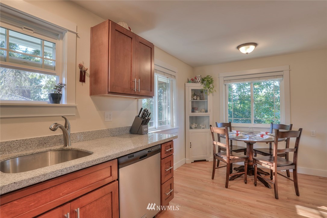 Sold Property | 1818 N 204th Place Shoreline, WA 98133 3