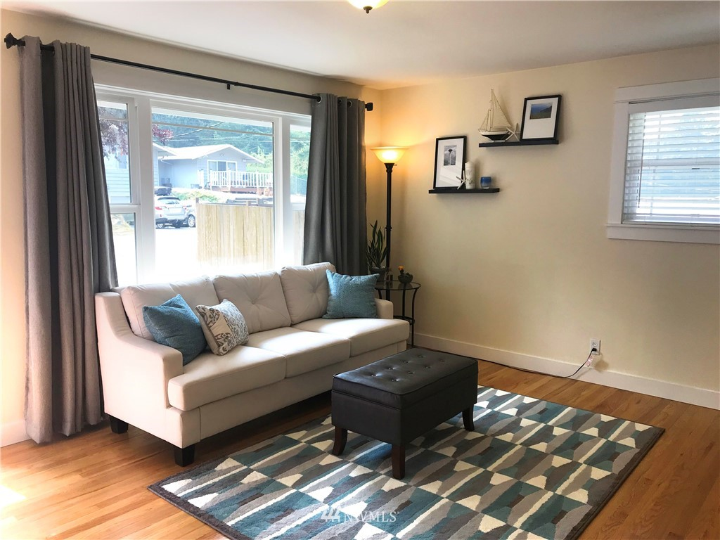 Sold Property | 1818 N 204th Place Shoreline, WA 98133 1