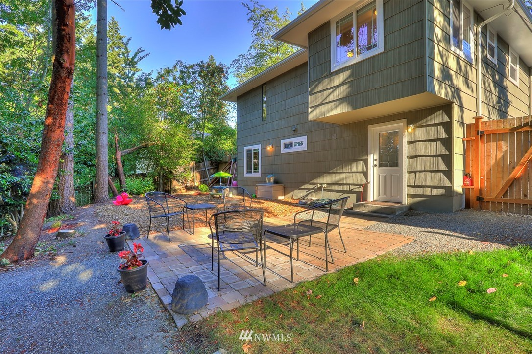 Sold Property | 1818 N 204th Place Shoreline, WA 98133 14