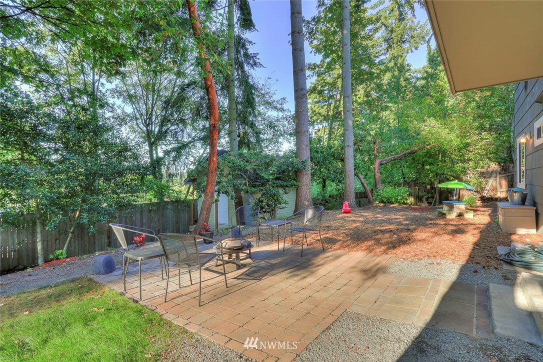 Sold Property | 1818 N 204th Place Shoreline, WA 98133 16