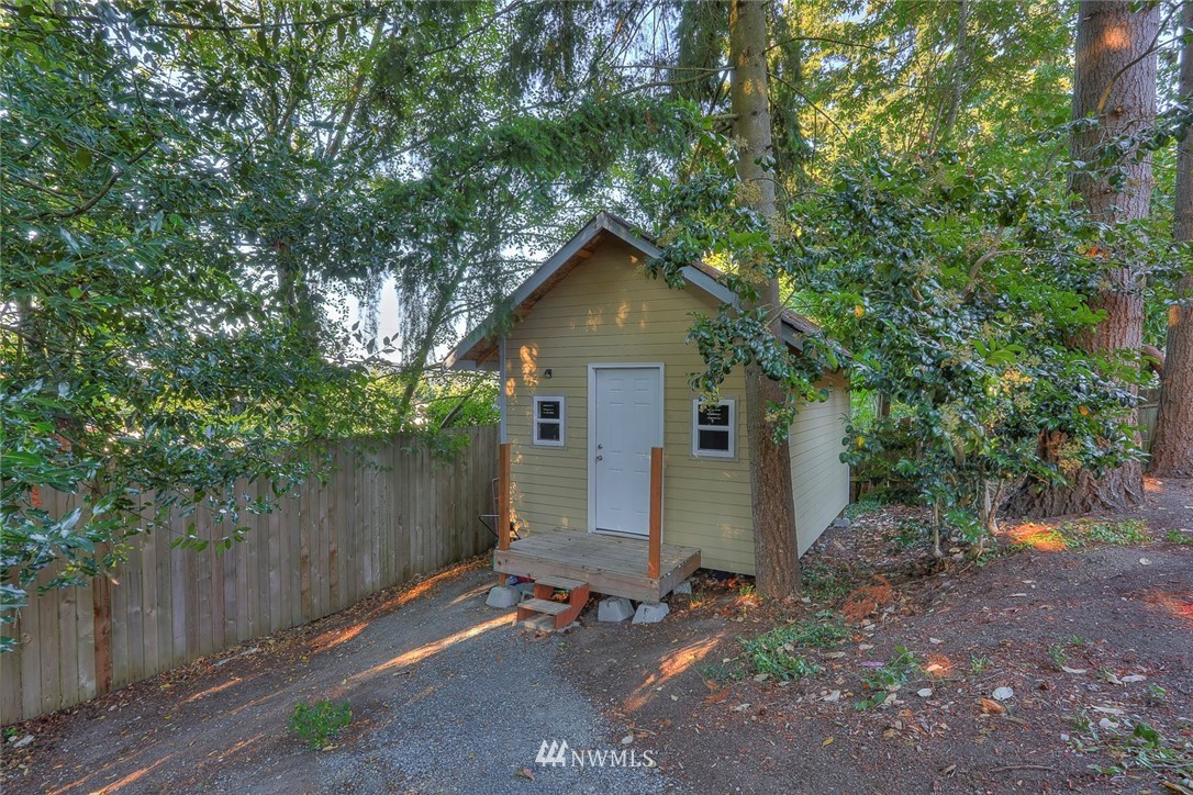 Sold Property | 1818 N 204th Place Shoreline, WA 98133 17