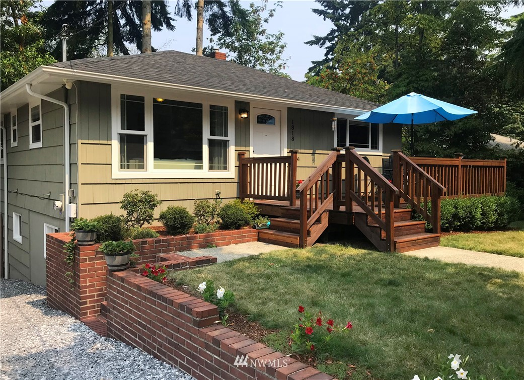 Sold Property | 1818 N 204th Place Shoreline, WA 98133 0