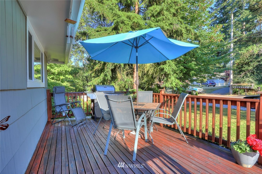 Sold Property | 1818 N 204th Place Shoreline, WA 98133 13