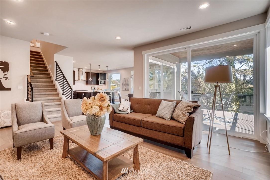 Sold Property | 17550 Wallingford Avenue N Shoreline, WA 98133 1