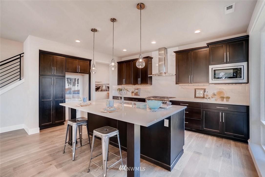 Sold Property | 17550 Wallingford Avenue N Shoreline, WA 98133 3