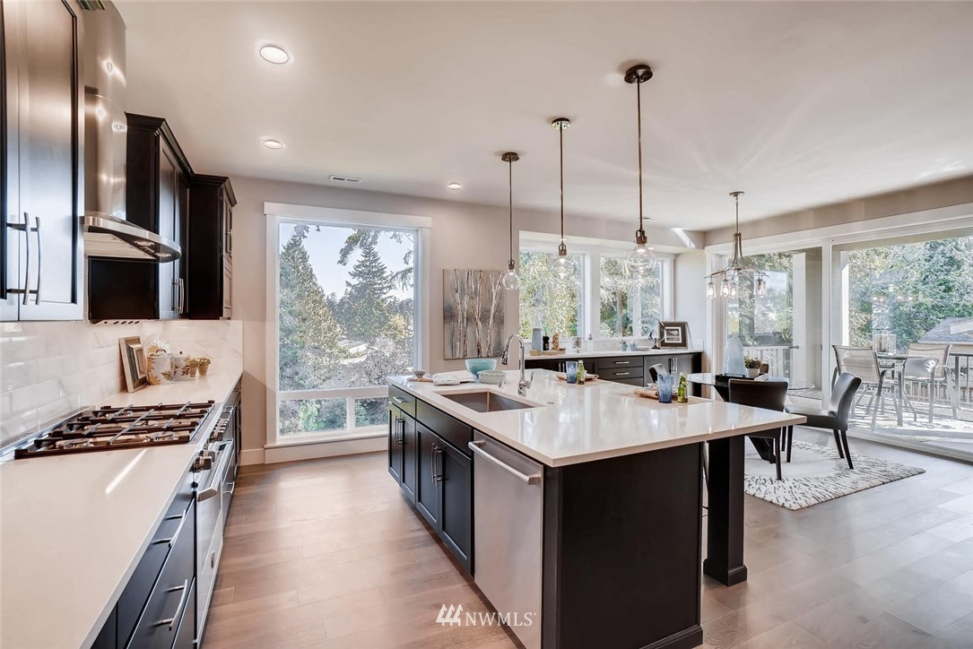 Sold Property | 17550 Wallingford Avenue N Shoreline, WA 98133 5