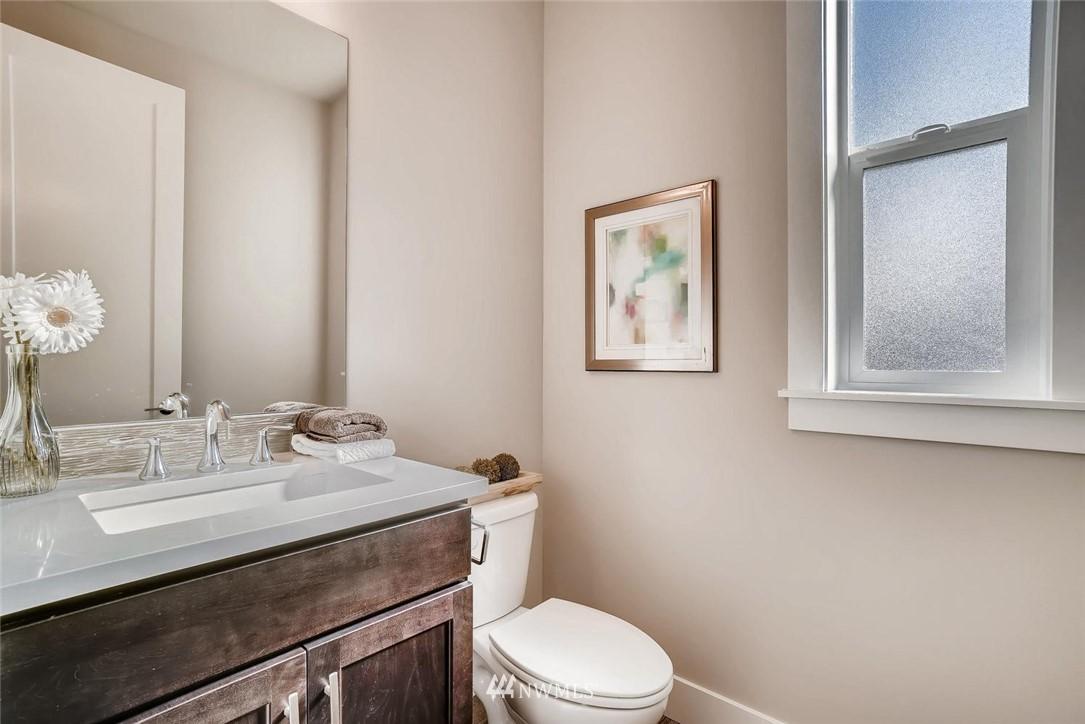 Sold Property | 17550 Wallingford Avenue N Shoreline, WA 98133 8