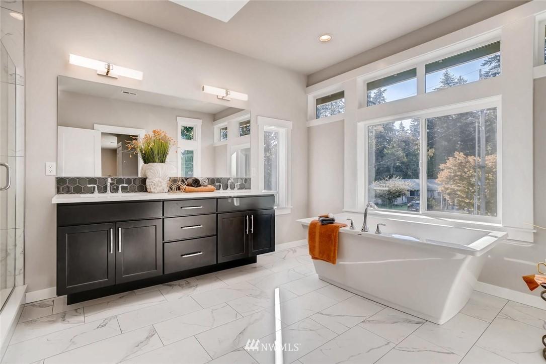 Sold Property | 17550 Wallingford Avenue N Shoreline, WA 98133 11