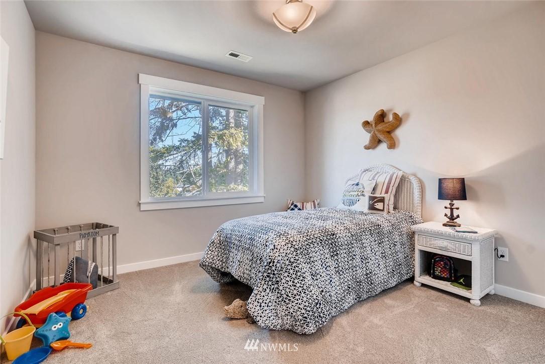 Sold Property | 17550 Wallingford Avenue N Shoreline, WA 98133 13