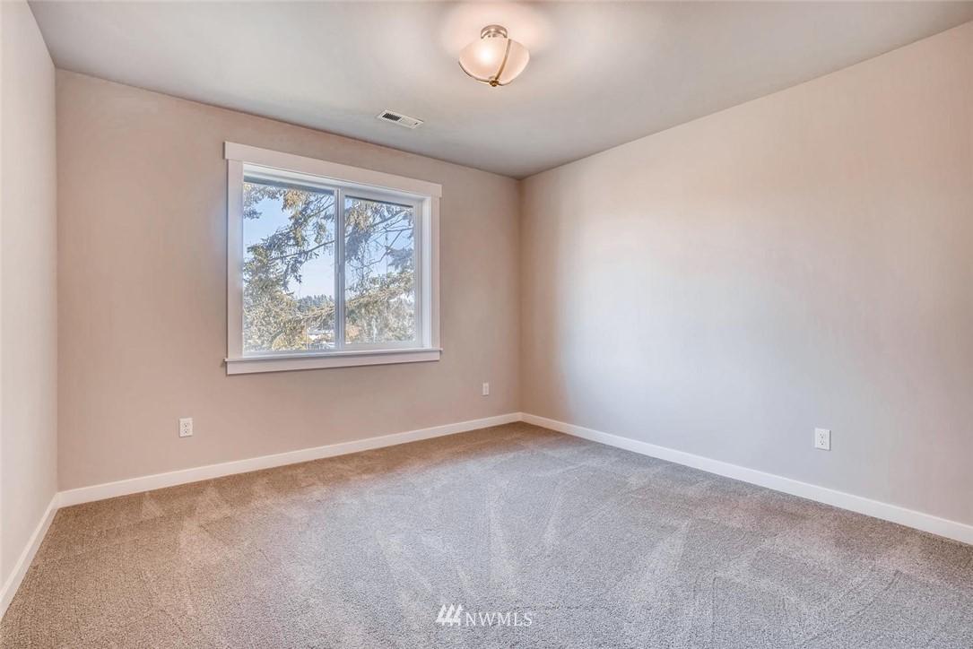 Sold Property | 17550 Wallingford Avenue N Shoreline, WA 98133 14