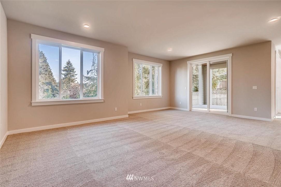 Sold Property | 17550 Wallingford Avenue N Shoreline, WA 98133 18