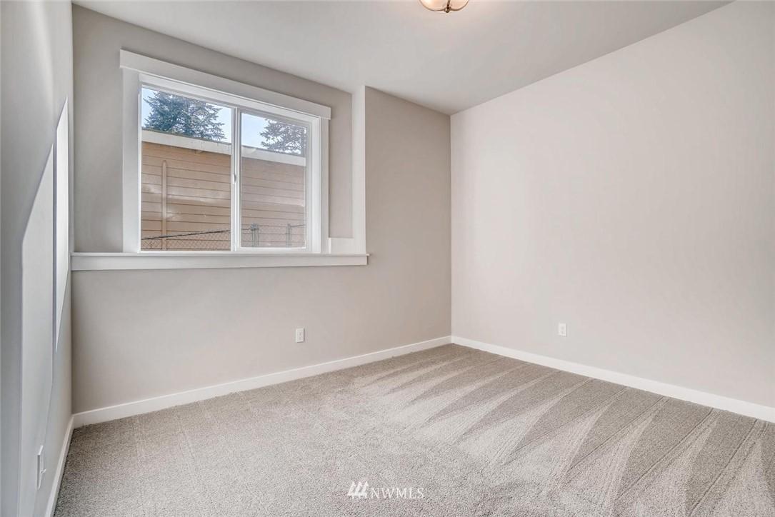 Sold Property | 17550 Wallingford Avenue N Shoreline, WA 98133 20