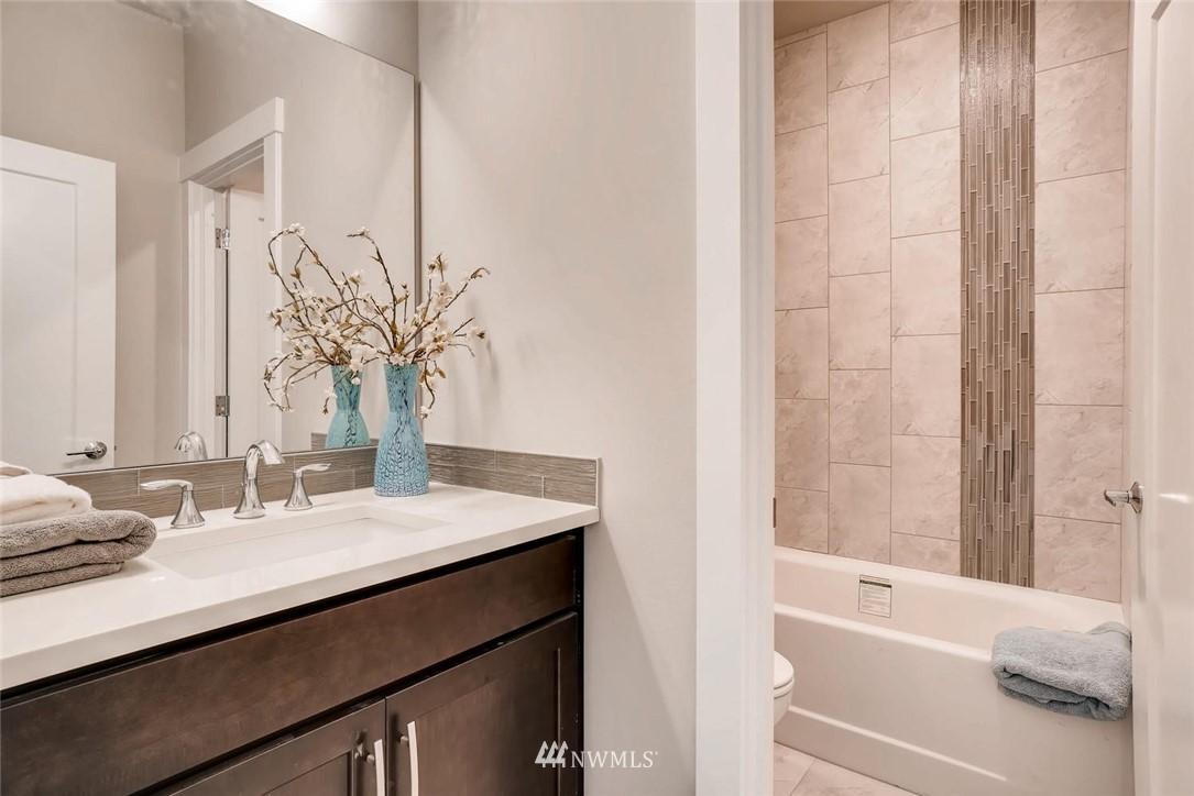Sold Property | 17550 Wallingford Avenue N Shoreline, WA 98133 21