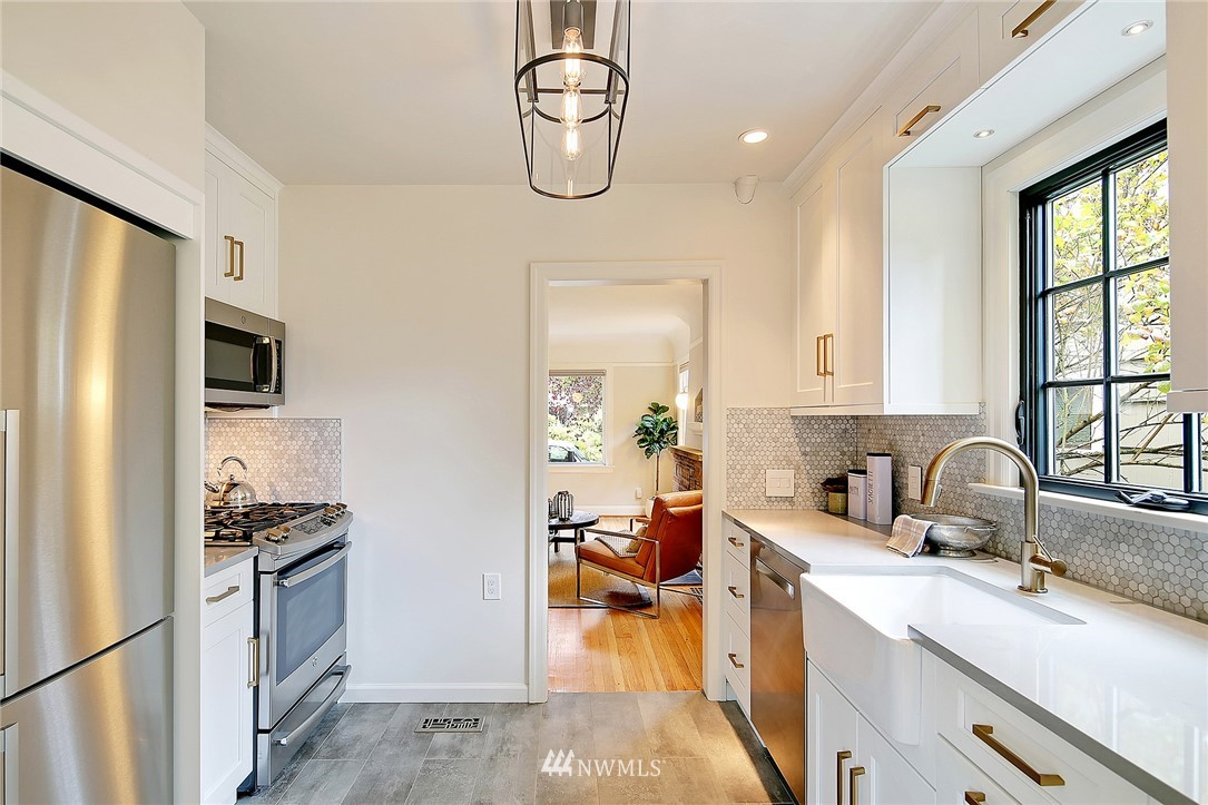 Sold Property | 6727 12th Avenue NW Seattle, WA 98117 5
