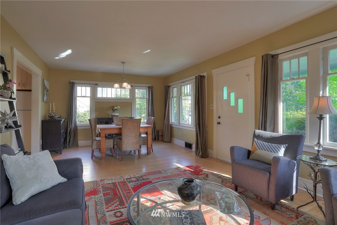 Sold Property   108 NW 75th Street Seattle, WA 98117 3