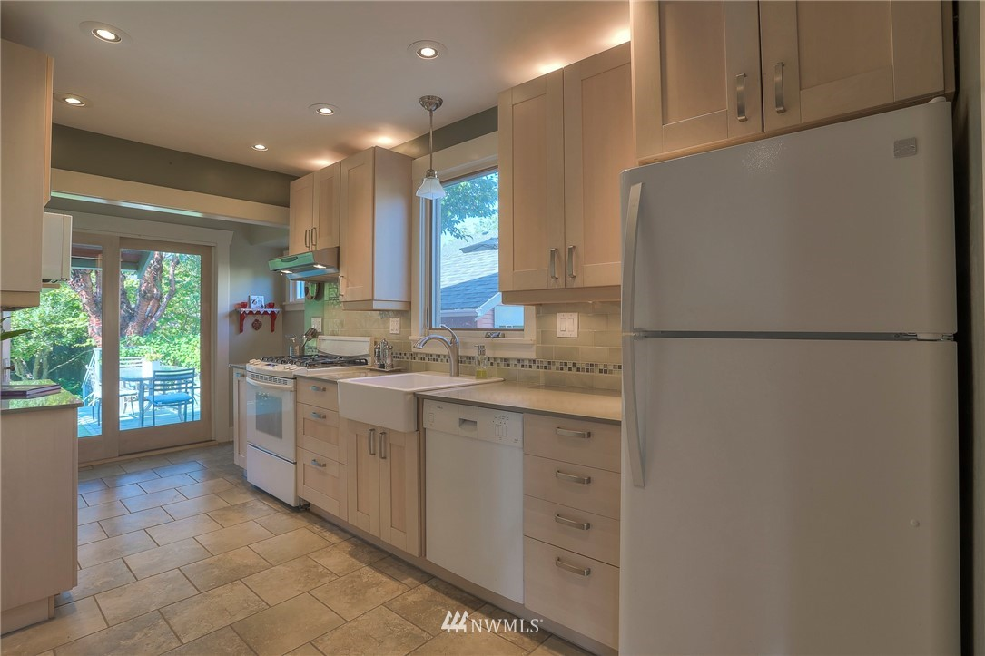 Sold Property   108 NW 75th Street Seattle, WA 98117 7