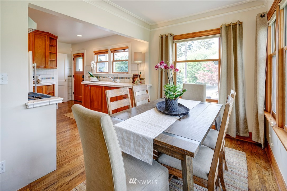 Sold Property | 2321 N 53rd Street Seattle, WA 98103 5