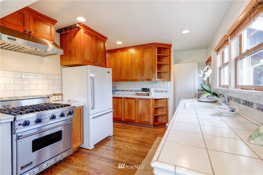 Sold Property | 2321 N 53rd Street Seattle, WA 98103 8