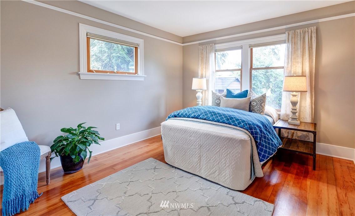 Sold Property | 2321 N 53rd Street Seattle, WA 98103 10