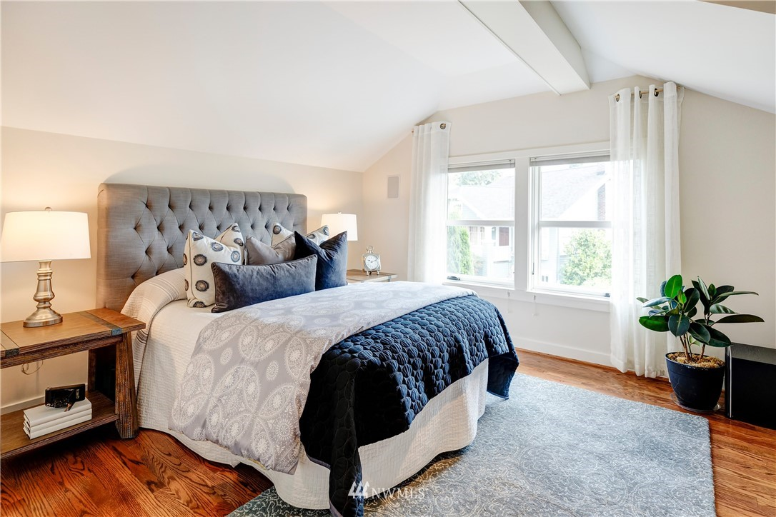 Sold Property | 2321 N 53rd Street Seattle, WA 98103 12