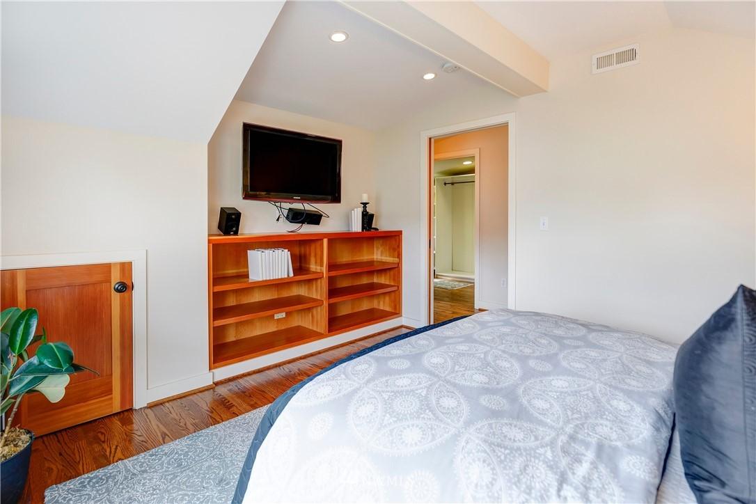 Sold Property | 2321 N 53rd Street Seattle, WA 98103 13