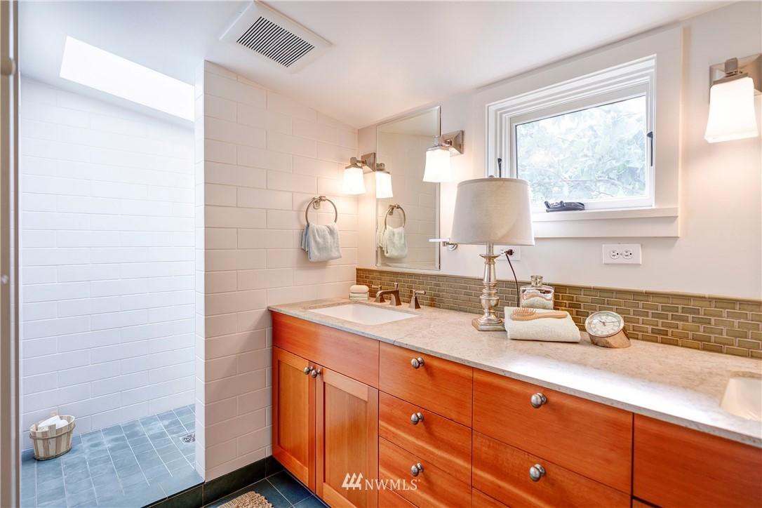 Sold Property | 2321 N 53rd Street Seattle, WA 98103 15